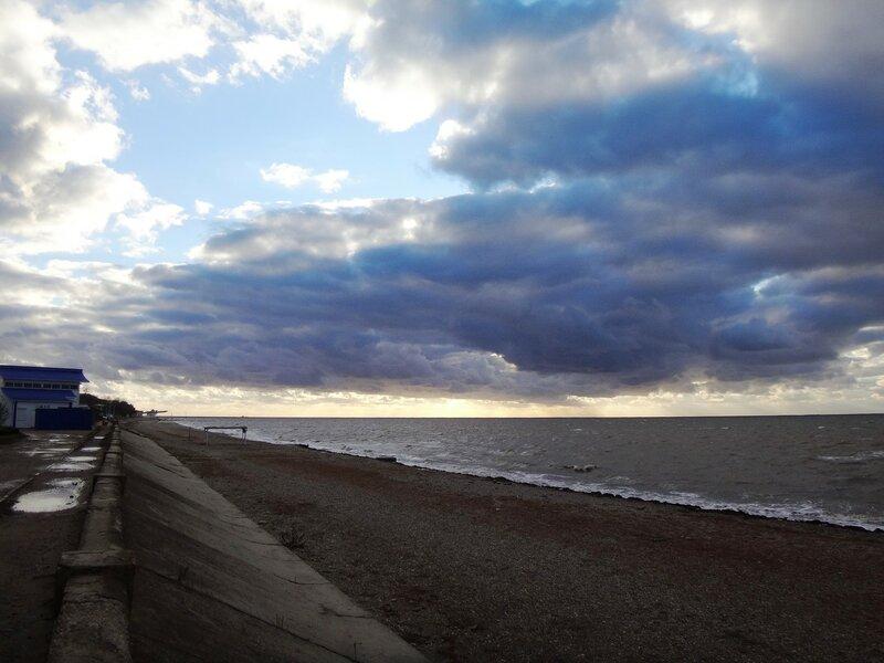 Набережная... Краски неба ... На финише октября, в городе у моря Азовского. (71).JPG