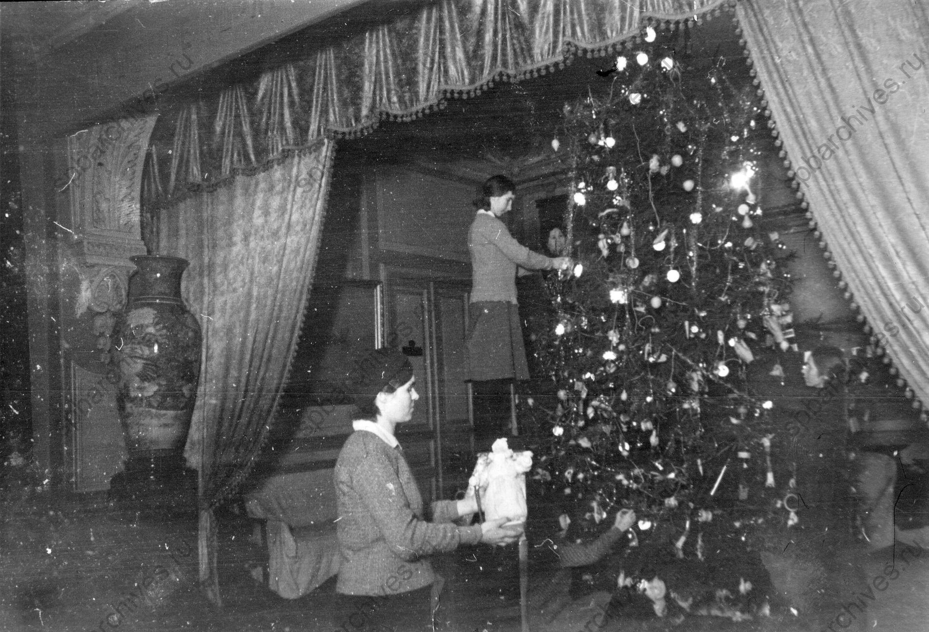 1945. Елка для детей в Доме флота. Январь g