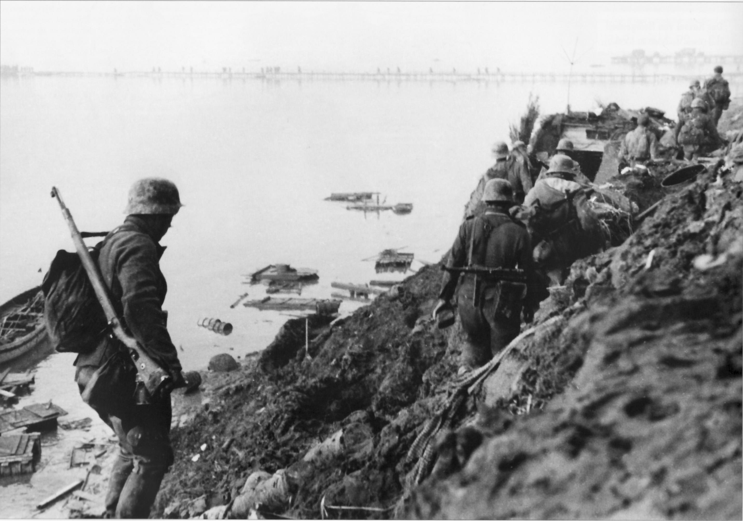 Конец дивизии Великая Германия. gd2.jpg