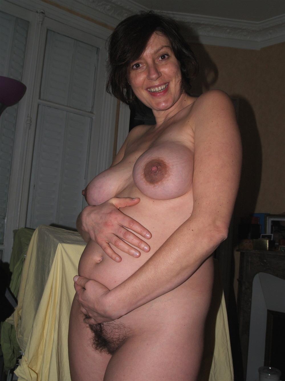 Откровенные снимки беременных дам (18+)