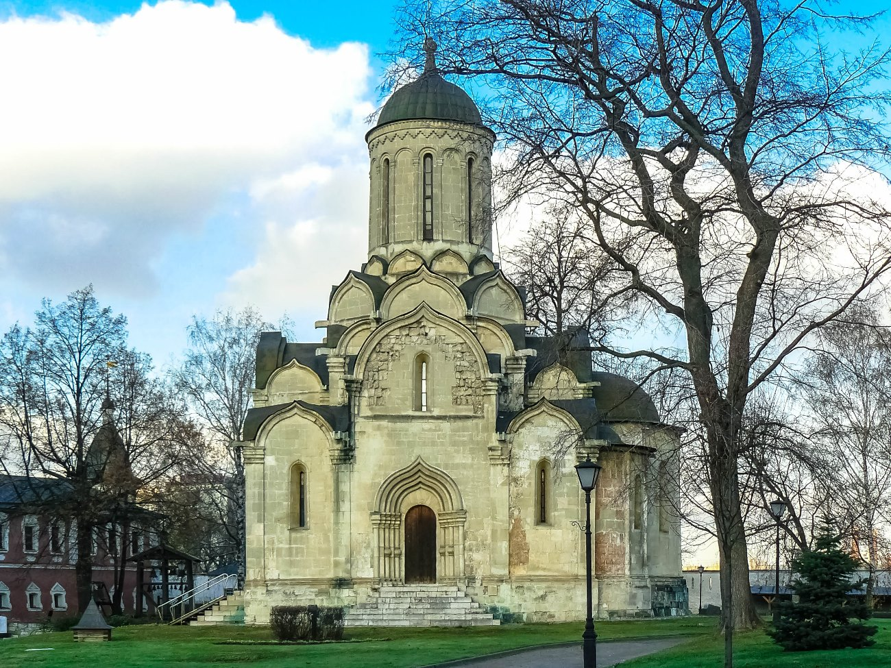 irina-fortuna-andronikov-monastery 03.jpg