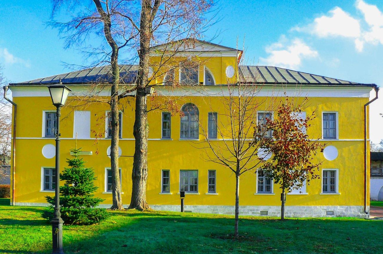 irina-fortuna-andronikov-monastery 07.jpg
