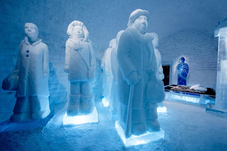 ice-hotel-sweden-14.jpg