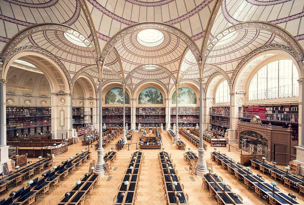 4. Stuttgart Library. Городская библиотека Штутгарта. Появилось здание сравнительно недавно и фото е