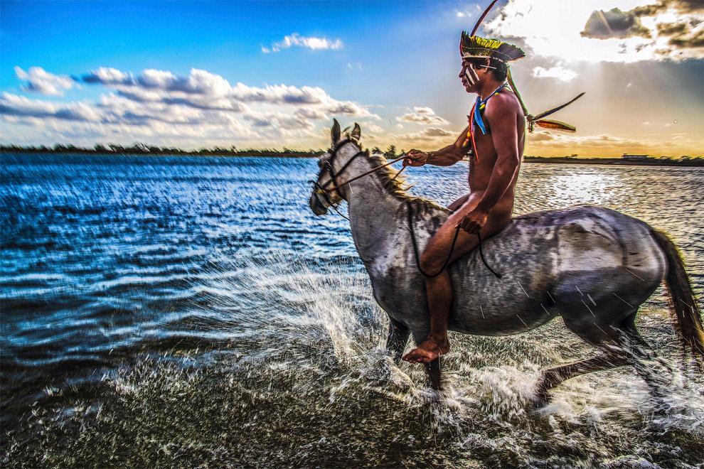 7. К приходу европейцев индейцы на территории Бразилии вели в основном полукочевой образ жизни, зани