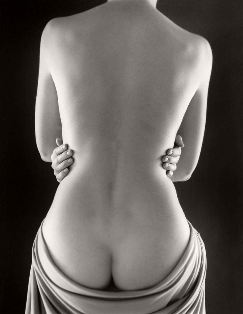 На протяжении более пятидесяти лет снимки Рут Бернхард широко публиковали и выставляли на крупнейших