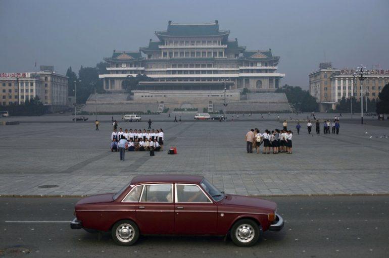 1.В Северной Корее законом запрещено делать фотографии бедняков, поскольку эти снимки показывают, чт