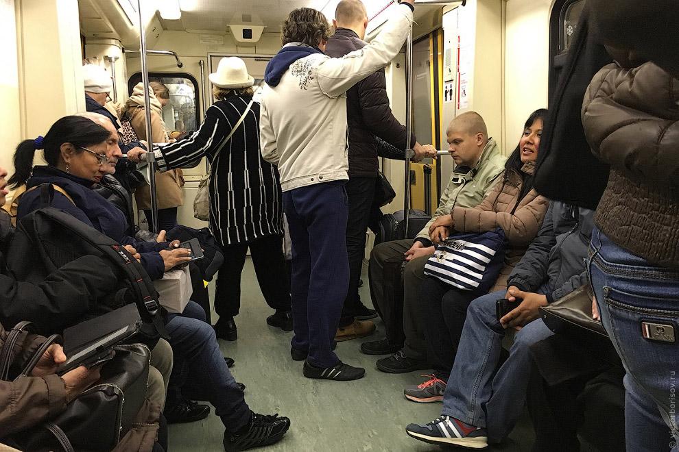 Пересаживаюсь на Таганско-Краснопресненскую линию. Здесь меня интересуют новейшие поезда «Ока» и «Мо