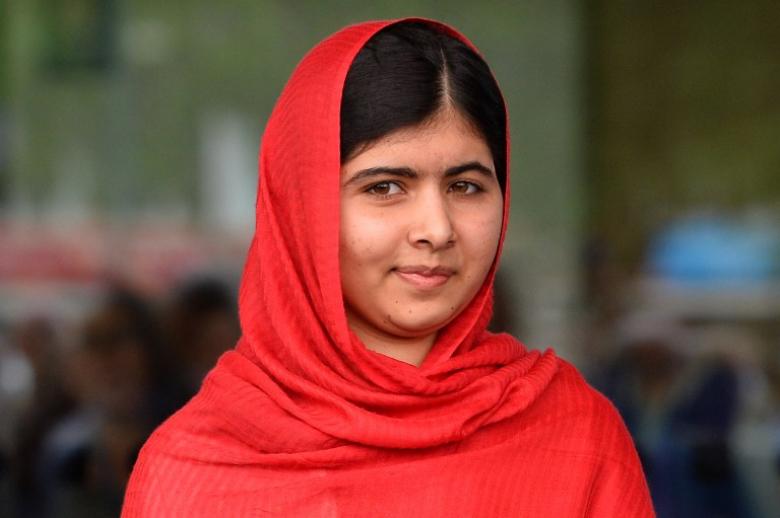 Самая юная обладательница Нобелевской премии мира Малала Юсуфзай из Пакистана, будучи школьницей,пер