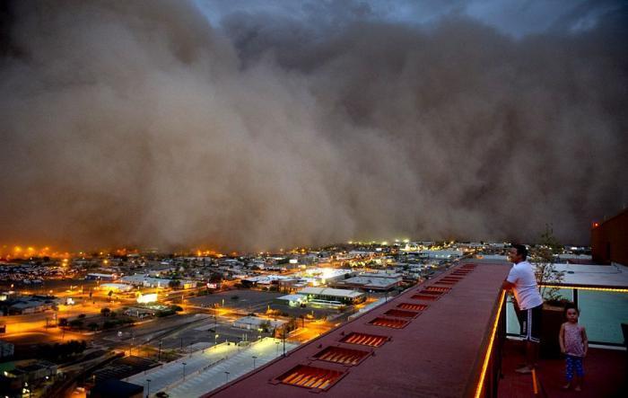 Пугающая песчаная буря в Аризоне