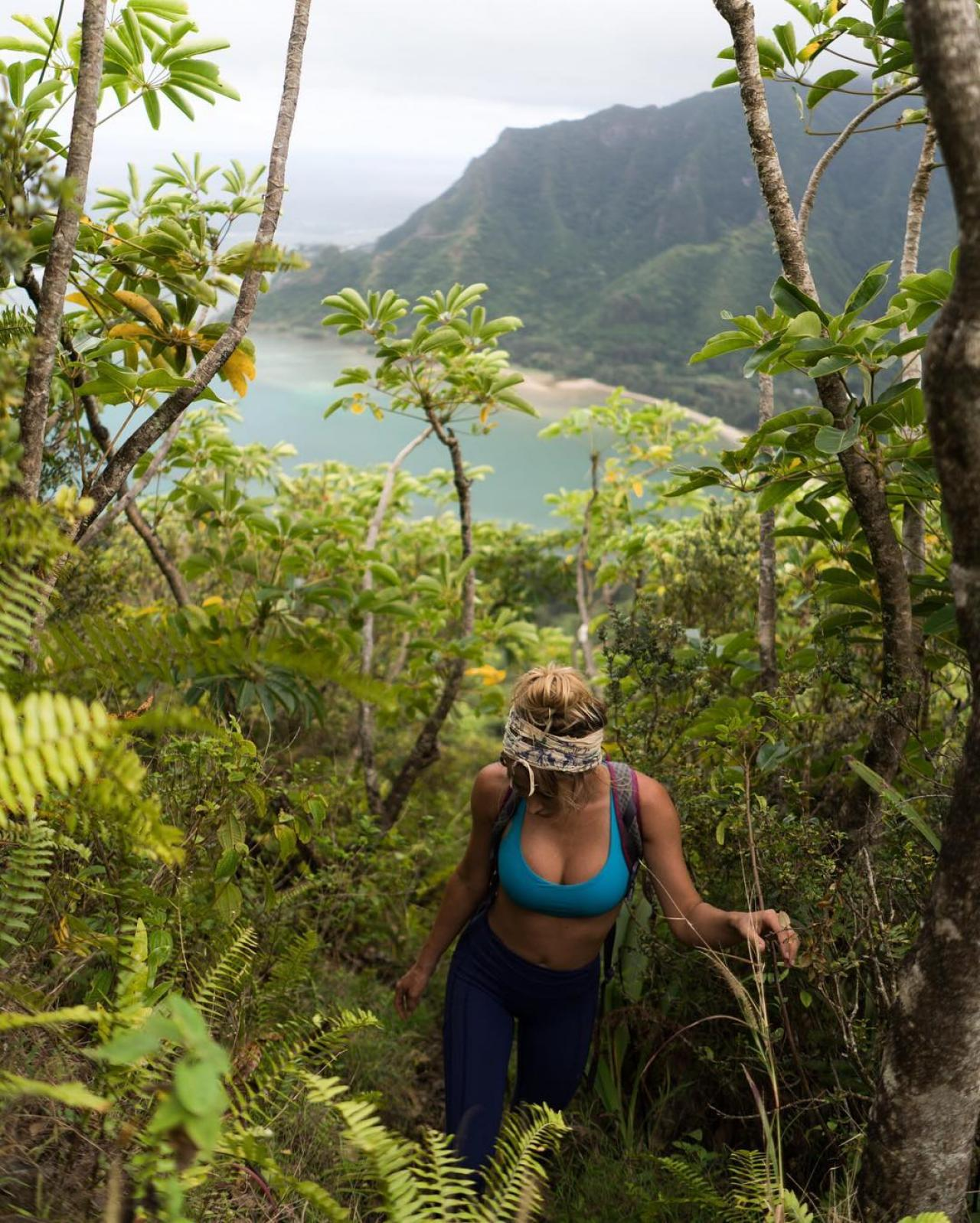 Сара Андервуд продолжает свое яркое путешествие