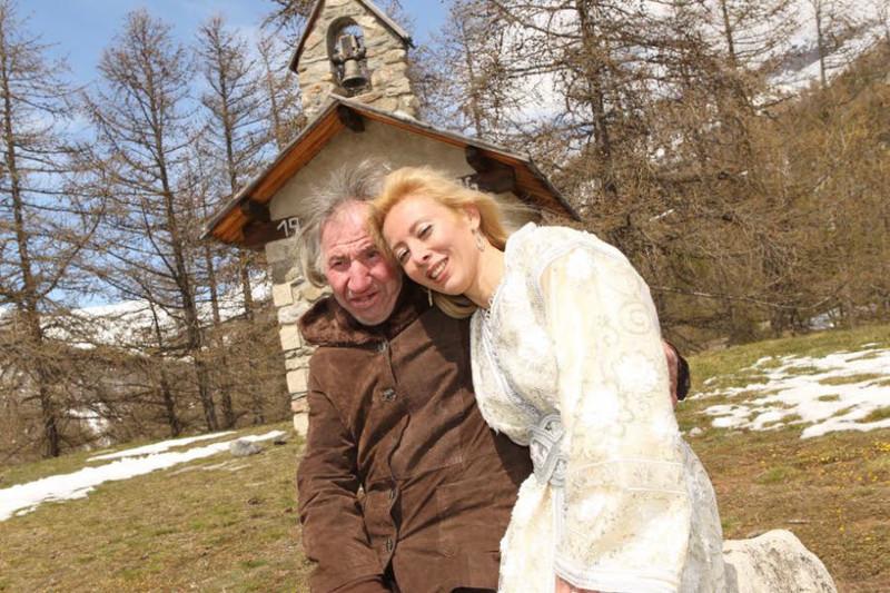 Спустя некоторое время миллионер Марсель Арфу связал себя узами брака с Сандрин Девиллар, которая бы