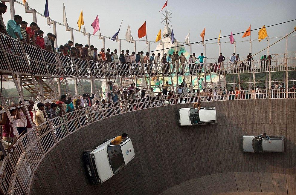 Фестиваль воздушных змеев, 14 января 2012. В этот день жители густонаселенных районов запускают их с