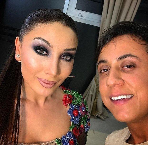 Анар Агакишиев — 32-летний стилист из Баку. Подавляющее большинство его клиенток — женщи