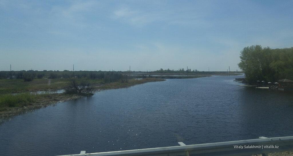 Река на окраине Астаны.