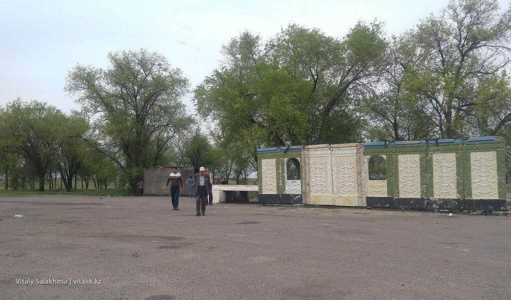 Туалет по дороге в Астану.
