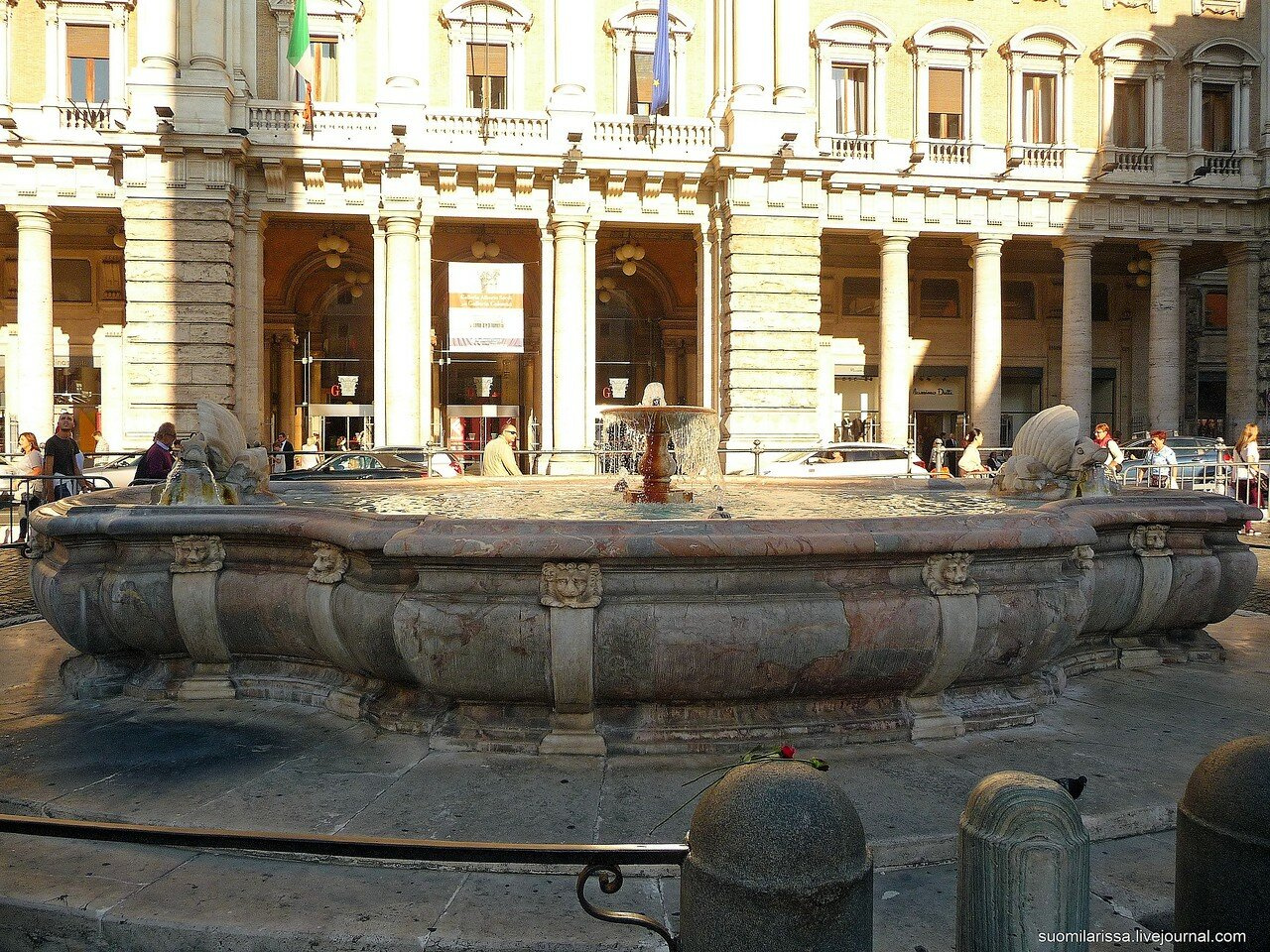 Fontana di piazza Colonna (1).