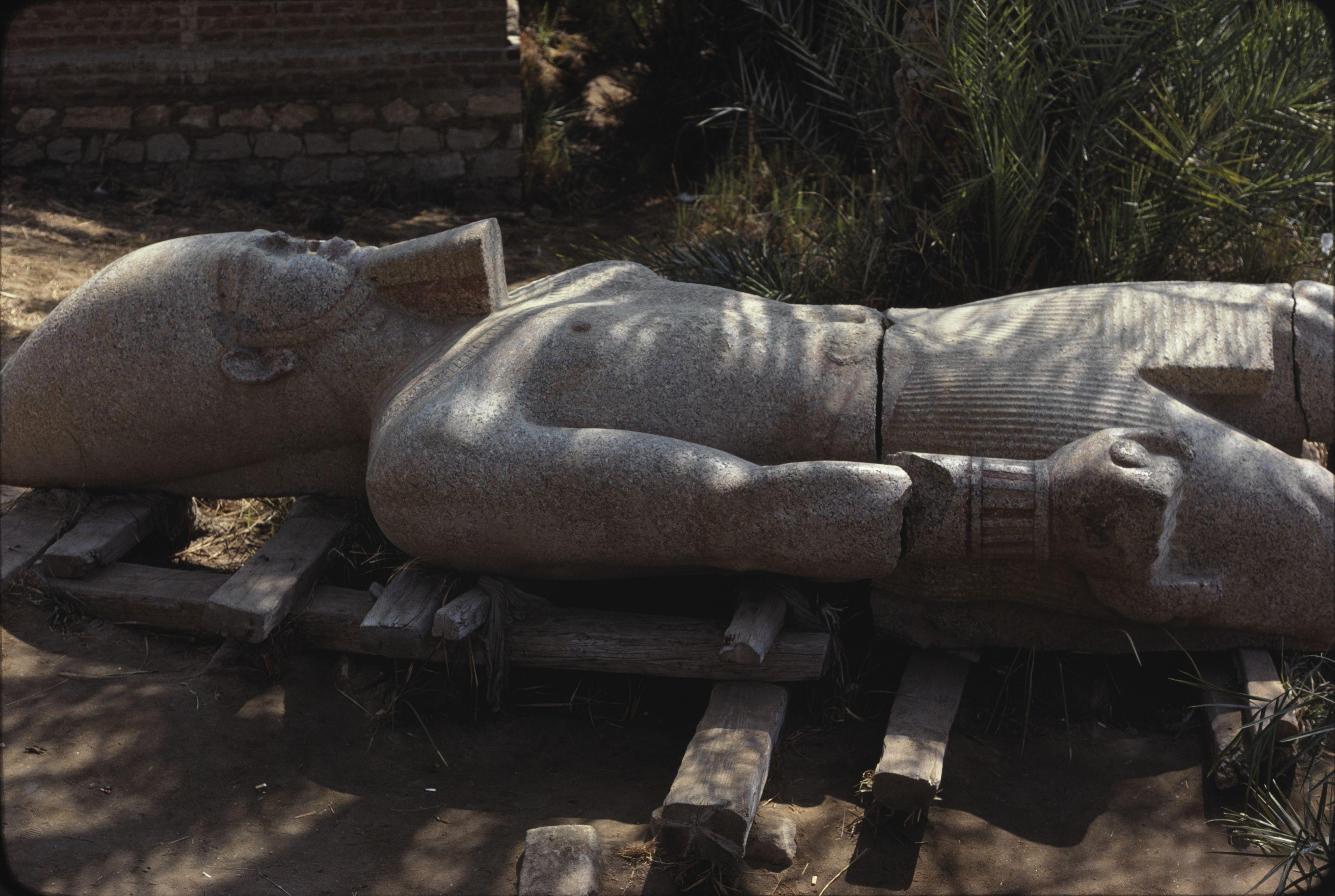 22. Мемфис, Гранитная статуя Рамзеса II