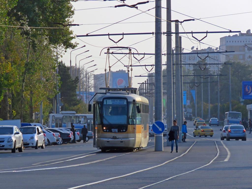 Взгляд назад из Самаркандского трамвая