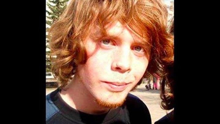 Болотов потратил на изменение своей внешности семь лет, чтобы выглядеть как утконос. У него вытянуты
