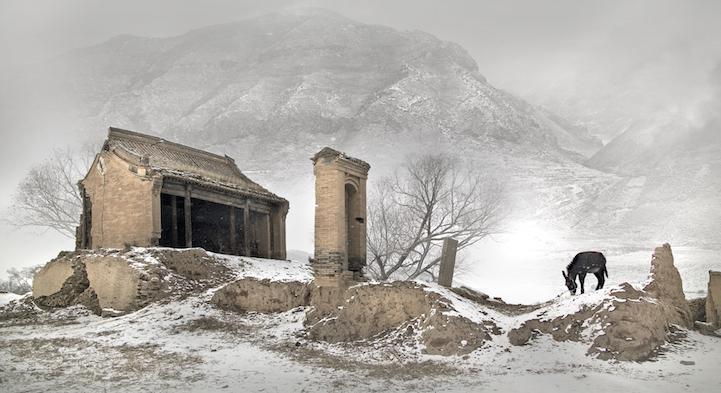 В самой перенаселенной стране мира начинают исчезать удаленные деревни (11 фото)