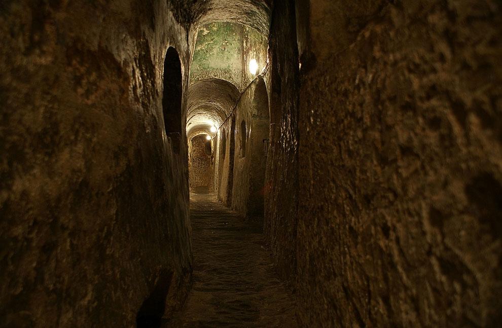 Зноймовские катакомбы (Зноймо, Чехия)    Во времена позднего Средневековья и р