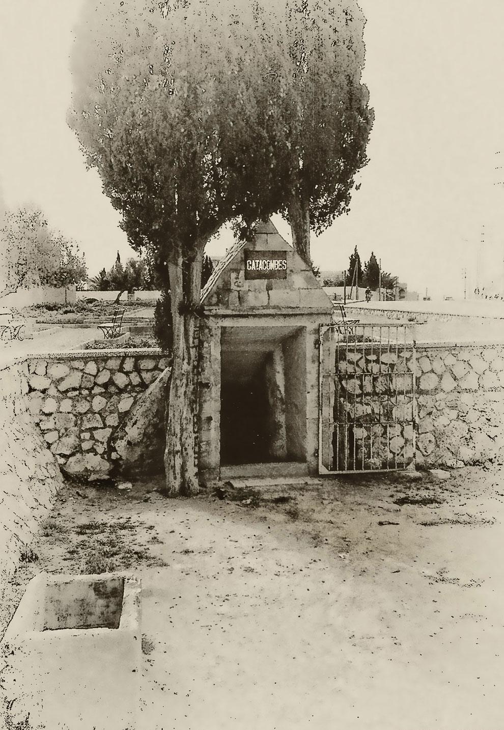 Они использовались христианами в период с I по IV вв. н. э. как для погребения усопших и совершения