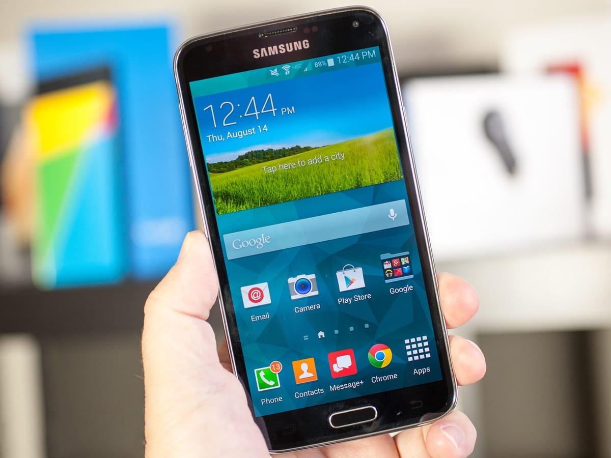 В Samsung говорят, что даже восемь смартфонов бренда Galaxy S5 могут работать с большей энергоэффект