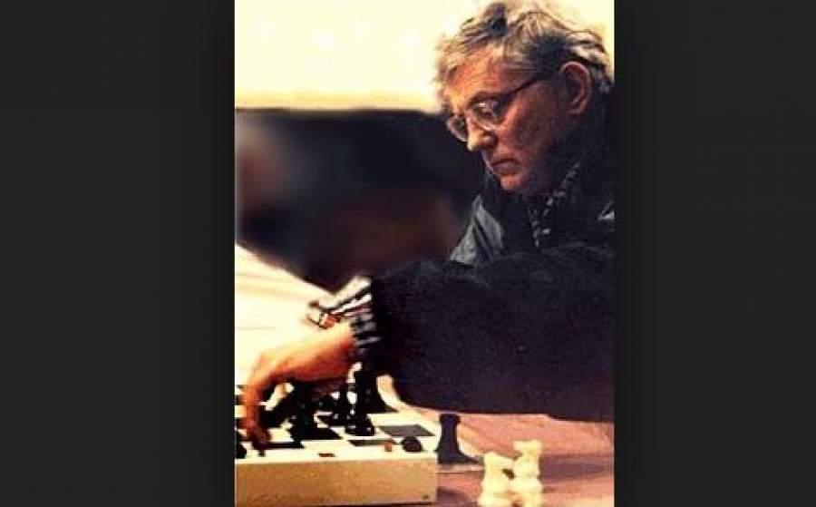 Шахматист поселился в Монреале, четырежды завоевывал титул чемпиона Канады и представлял эту страну