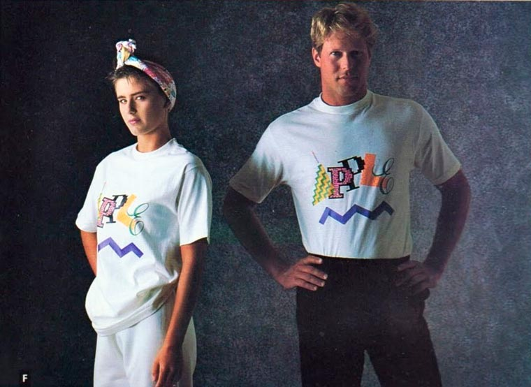 Оказывается, без Стива Джобса в 1980-е годы Apple продавала одежду (16 фото)