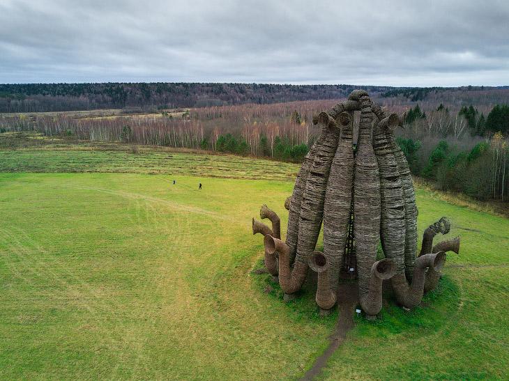 Фотографии d-a-ck9   1. В начале 1990-х годов художник Николай Полисский создал в деревне Никол