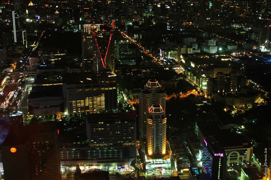 Bangkok_night8_zps34a31d27.JPG