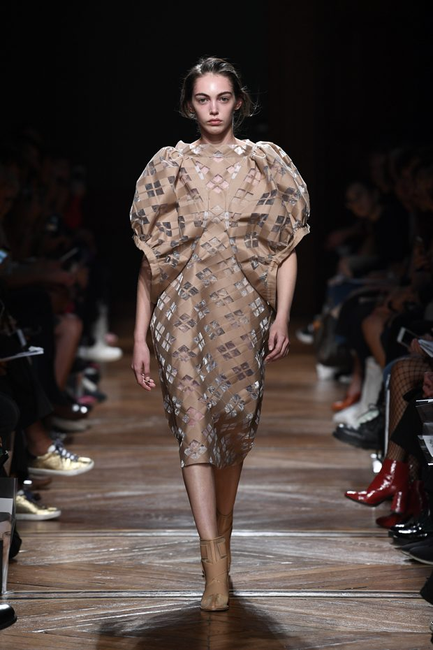 PFW: ANREALAGE Spring Summer 2018 Collection