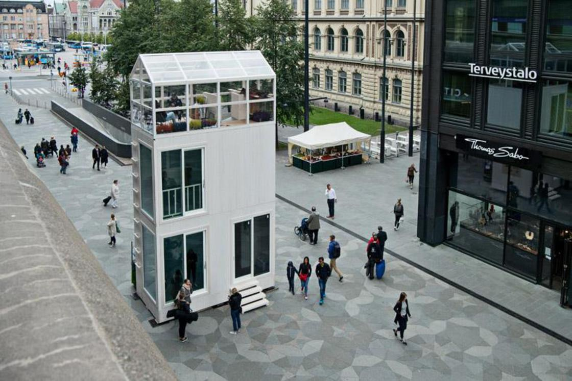 TIKKU – This functional micro-house fits on a parking space!