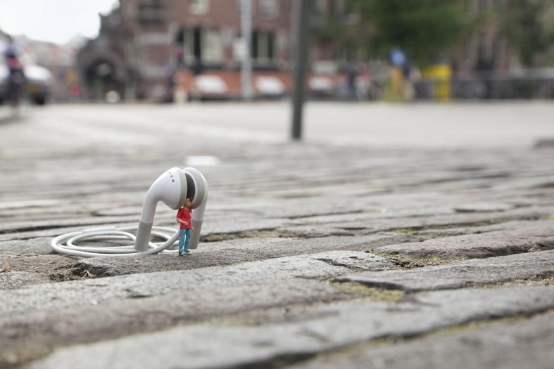 The Little People Project - Tiny Street Art - Slinkachu
