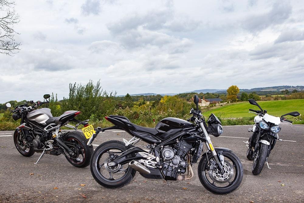 Три мотоцикла Triumph Street Triple (фото)