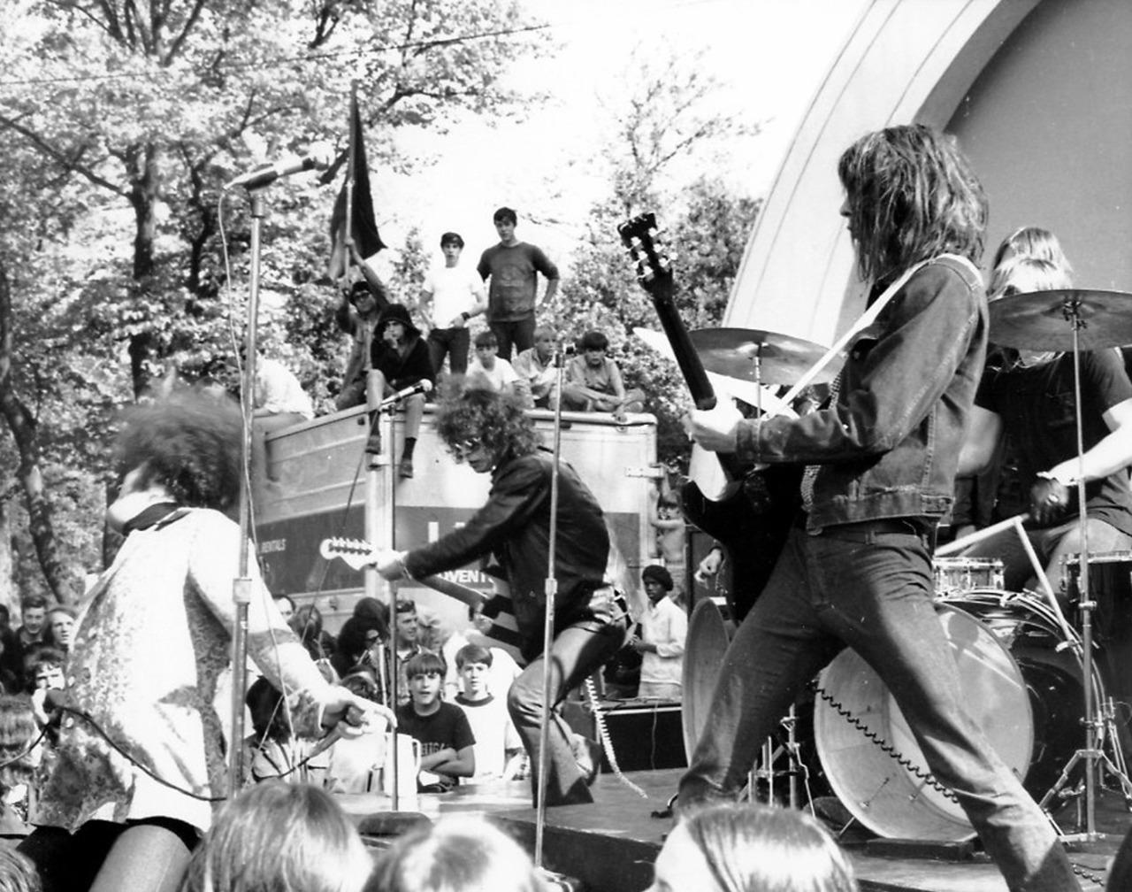 1969. «The MC 5»