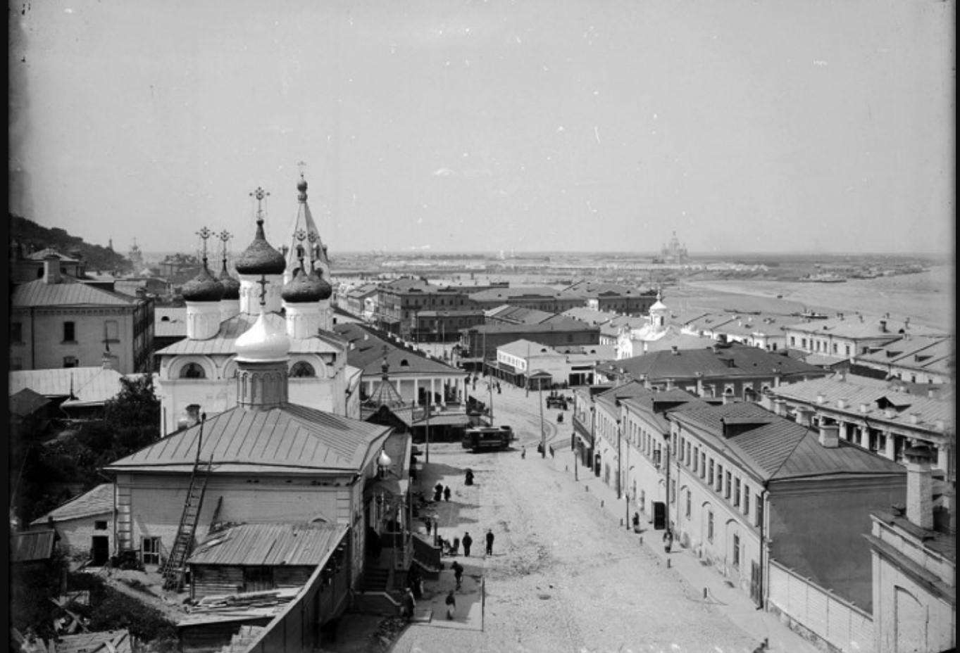 Вид на Нижний базар