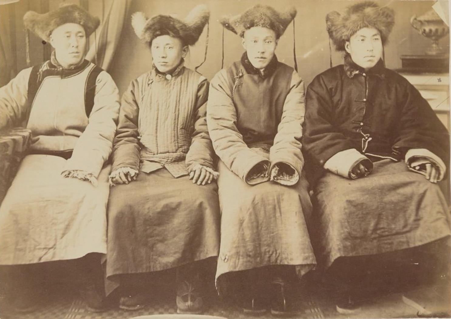 Окрестности Благовещенска. Маньчжурские купцы. 1872