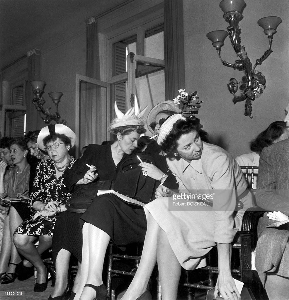 1945. Показ мод Люсьена Лелуна