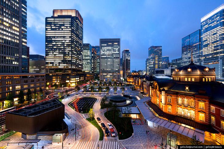 2. Железнодорожная станция Токио (Tokyo Station) — одна из самых загруженных в мире, каждый день обс