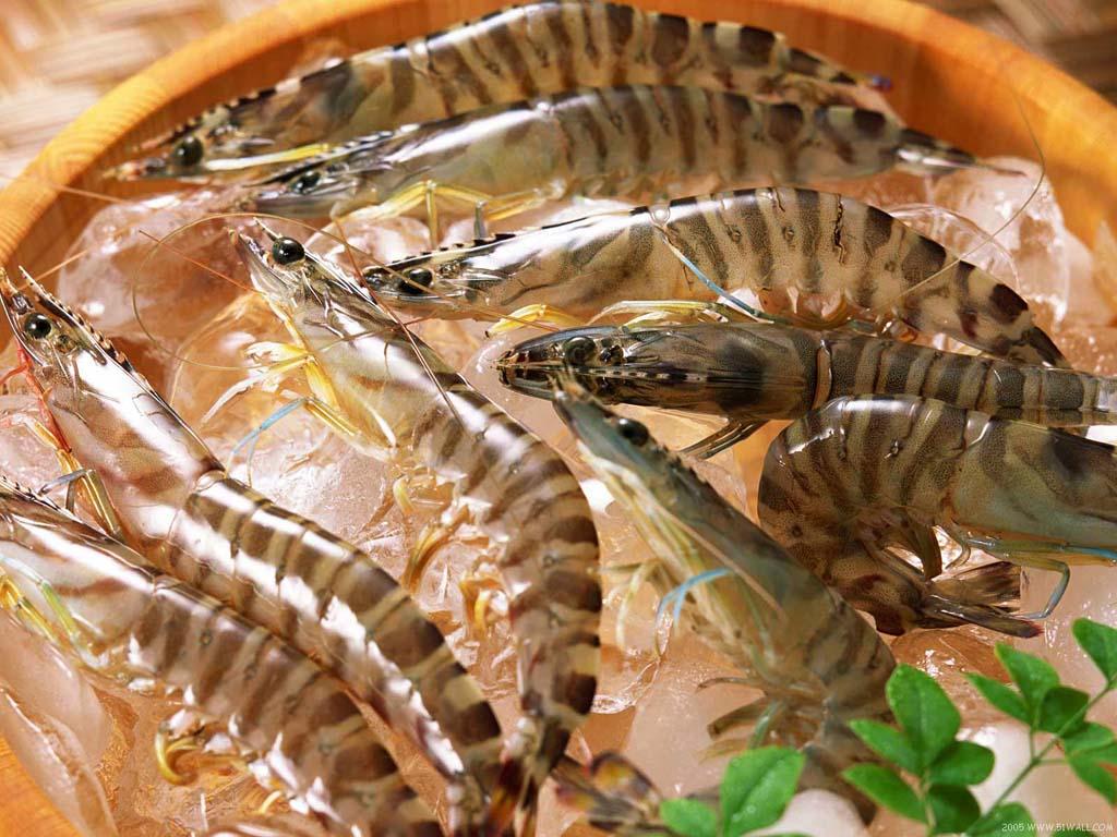6. Креветки.   Покупая креветки, на самом деле мы покупаем воду. Их замораживают сразу после ул