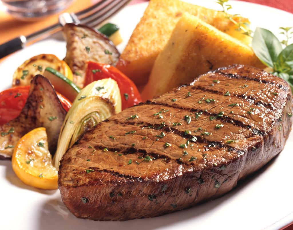 8. При помощи специального клея из мясных обрезков можно сделать один большой и аппетитный стейк
