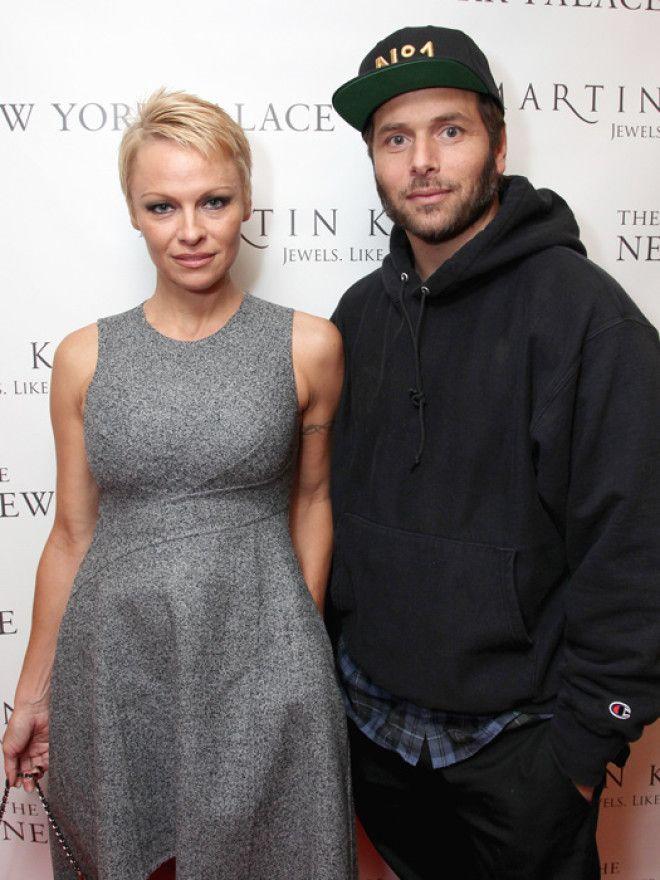 В 2007 году Памела заключила брак с продюсером Риком Саломоном, но вместе они пробыли только два мес