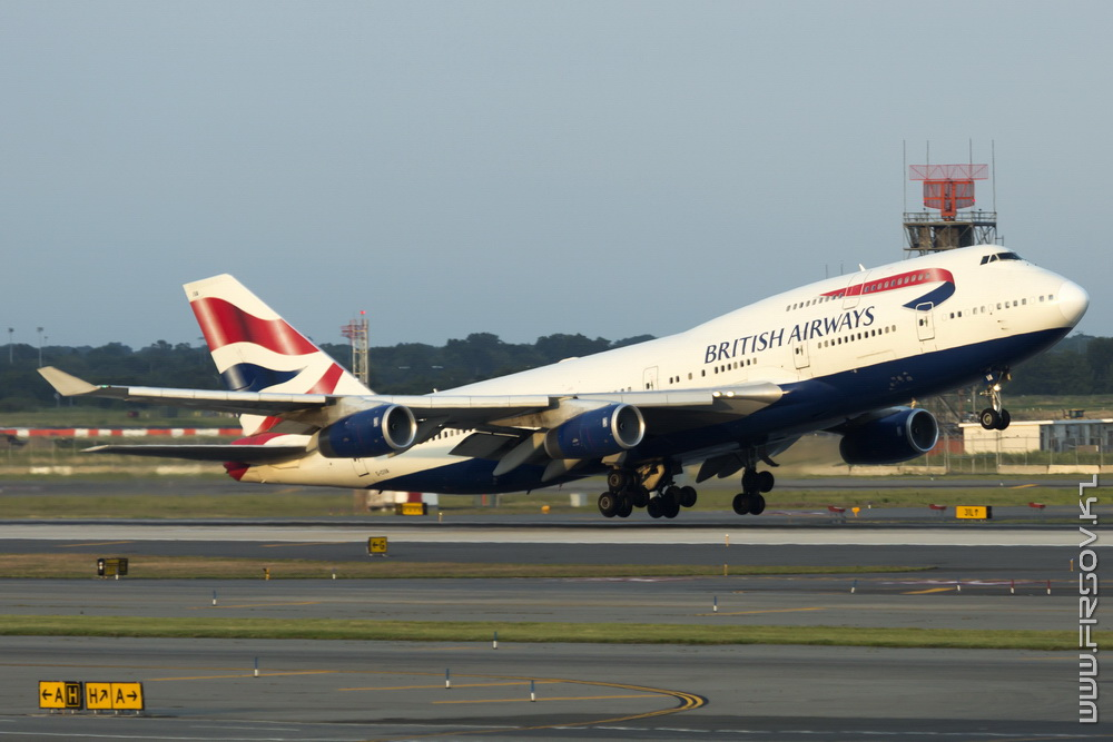 B-747_G-CIVA_British_Airways_1_JFK_resize (2).jpg