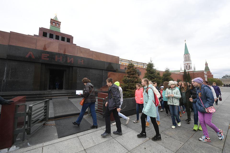 20180104_16-00-В Совфеде предложили захоронить Ленина на Красной площади