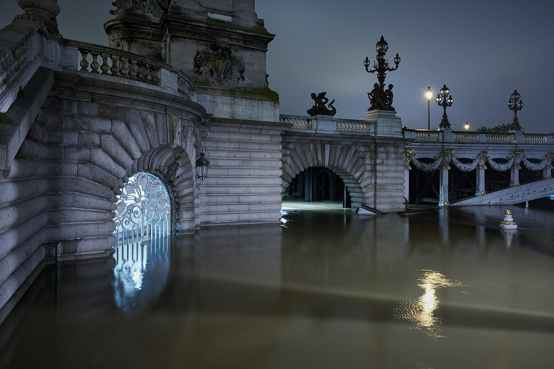 Before/After – A photographer documents the lastest major flood in Paris