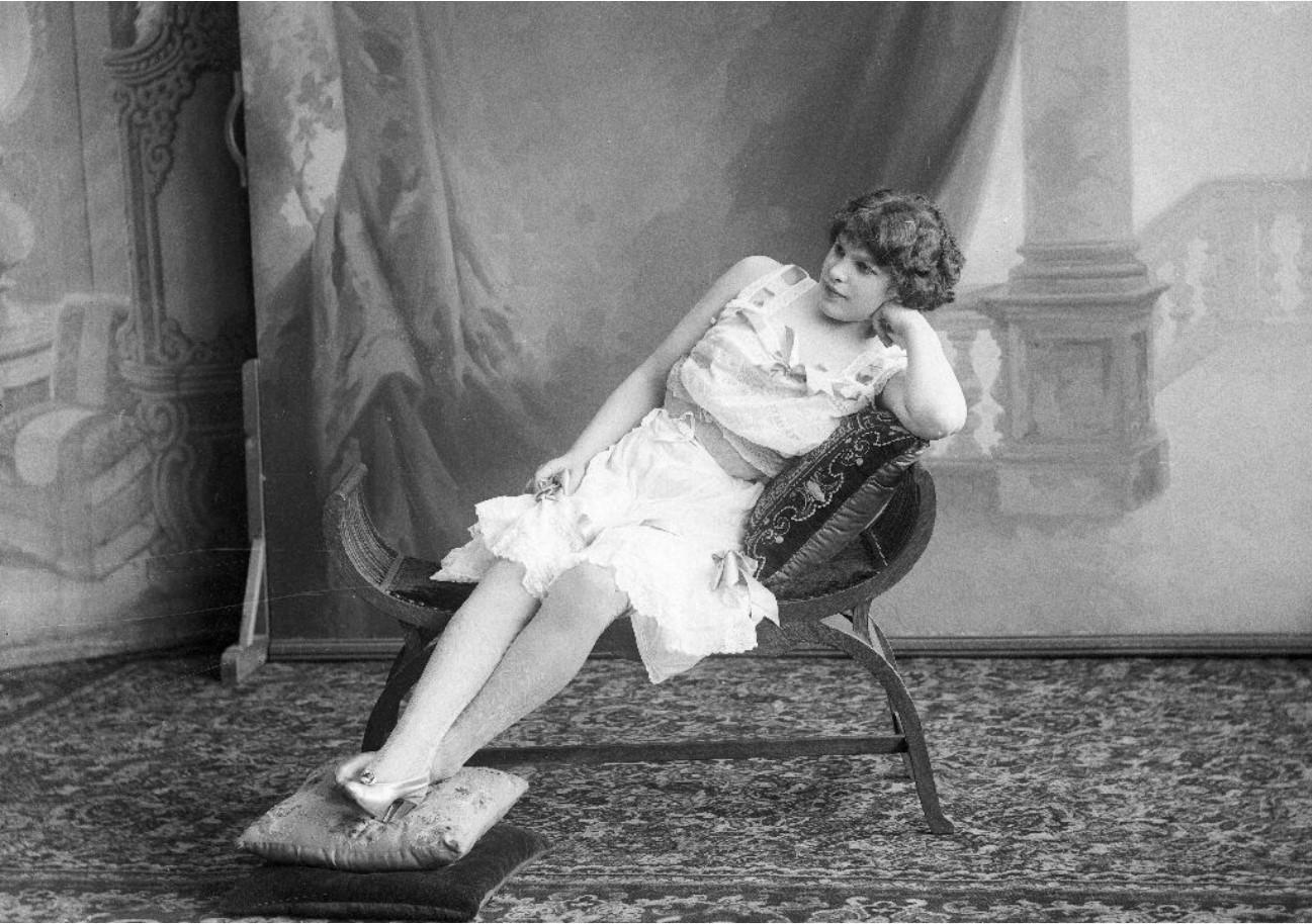 1913. Масленникова - шансонетка Нижегородской ярмарки