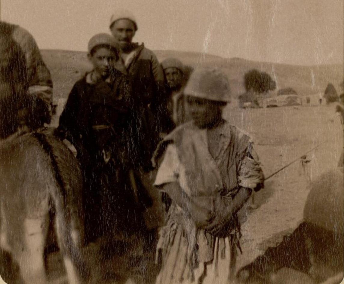30. Окрестности Эривани. Курды