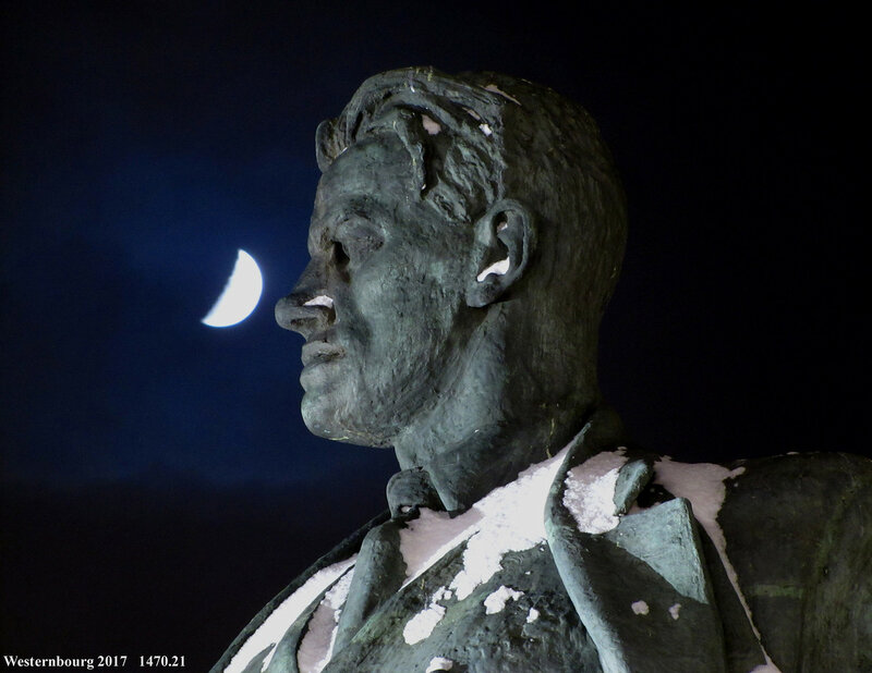 1470.21 Маяковский и Луна